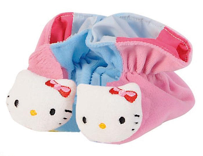 Hello Kitty Игрушка-погремушка Тапочки цвет розовый голубой4014804_голубой/розовыйИгрушка-погремушка Hello Kitty Тапочки - милая погремушка, выполненная в стиле Hello Kitty, которая обязательно понравится малышке. Ребенок будет с удовольствием рассматривать свою первую и очень забавную игрушку. Погремушка изготовлена из мягкой, приятной на ощупь ткани в виде забавных тапочек. Носы тапочек выполнены в виде мордочки кошечки Hello Kitty. Яркие цвета игрушки и различные типы материала направлены на развитие мыслительной деятельности, цветовосприятия, тактильных ощущений и мелкой моторики рук ребенка, а элемент погремушки способствует развитию слуха.