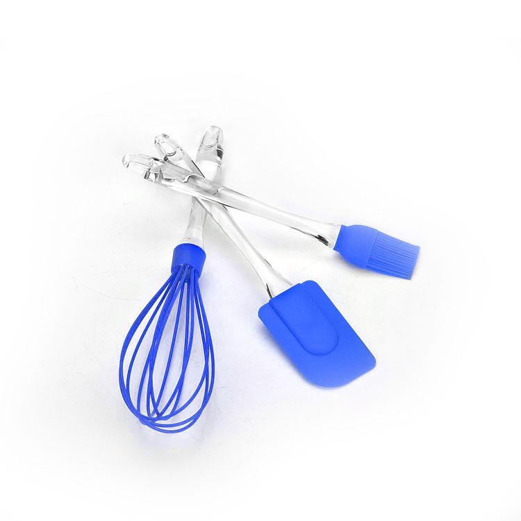 Набор приспособлений для выпечки Mayer & Boch, цвет: синий, 3 предмета20063_синийНабор приспособлений для выпечки Mayer & Boch состоит из венчика, лопатки и кулинарной кисти. Рабочая поверхность изделий выполнена из силикона, который выдерживает температуру от -40 до +210°С. Рукоятки приборов изготовлены из прозрачного пластика и снабжены отверстиями для подвешивания на крючок. Такой набор станет полезным приобретением для всех хозяек и поможет в приготовлении выпечки. Длина венчика: 30 см. Длина рабочей поверхности венчика: 14 см. Длина лопатки: 25 см. Размер рабочей поверхности лопатки: 8 см х 5 см. Длина кисти: 22,5 см. Длина ворса кисти: 3,5 см.