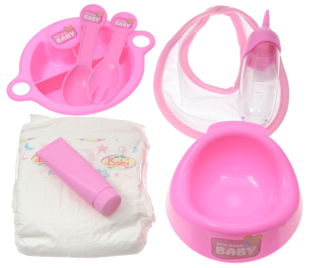 Simba Набор для кормления пупса New Born Baby цвет розовый5567210_розовыйНабор для кормления пупса Simba New Born Baby предназначен для кукол от 38 см до 43 см. Набор содержит 8 предметов: памперс, горшок, тарелочка, ложка, вилка, слюнявчик, бутылочка. Игры с куклами способствуют эмоциональному развитию, помогают формировать воображение и художественный вкус, а также разовьют в вашей малышке чувство ответственности и заботы. Набор сделает ролевые игры еще интересней! В комплект входит: памперс, горшок, тарелочка, ложка, вилка, слюнявчик, тюбик, бутылочка.