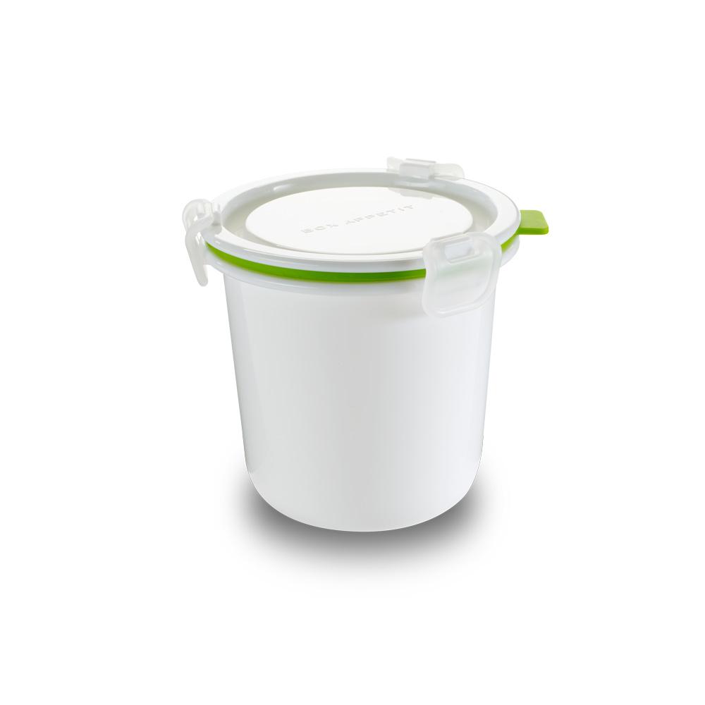 Ланч-бокс Lunch Pot Single белый/ зеленый. BAP-BP001BAP-BP001Дизайн является частью линейки контейнеров и ланчбоксов бренда black + blum, специально разработанных, чтобы их размер и форма отвечали всем необходимым требованиям. Контейнер имеет несколько внутренних отделений, поэтому можно разделять еду, если это нужно. Сам дизайн практичный, надёжный и очень функциональный. Его внешний вид вдохновлён винтажной посудой из эмали и имеет всегда актуальную ноту ретро в современном прочтении. Сделан из безопасных полипропилена и силикона (без содержания BPA). Можно использовать в микроволновой печи и мыть в посудомоечной машине.