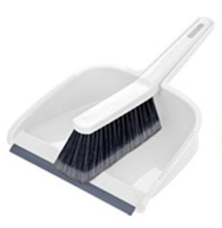 Набор для уборки Tescoma Clean Kit, цвет: белый, серый, 2 предмета900688Набор для уборки Tescoma Clean Kit состоит из совка и щетки, изготовленных из высококачественного пластика. Вместительный совок удерживает собранный мусор, позволяет эффективно и быстро совершать уборку в любом помещении. Прорезиненный край совка обеспечивает наиболее плотное прилегание к полу. Щетка имеет удобную форму, позволяющую вымести мусор даже из труднодоступных мест. Совок и щетка оснащены ручками с отверстиями для подвешивания. С набором Tescoma Clean Kit уборка станет легче и приятнее. Общая длина щетки: 25 см. Размер рабочей части щетки: 12,5 см х 4,5 см х 5,5 см. Общая длина совка: 29,5 см. Размер рабочей части совка: 21,5 см х 17,5 см х 6 см.