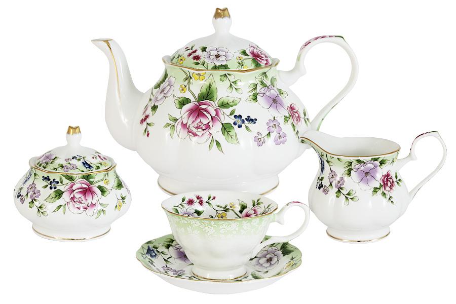 Чайный сервиз из 15 предметов на 6 персон Лаура. C2-TS/15-K50430ALC2-TS/15-K50430ALПосуда для чая и сервировки стола торговой марки Colombo изготовлена из костяного фарфора. Широкий ассортимент (от отдельных предметов до сервизов) и разнообразие мотивов для декора (от классических до современных) позволяет составить набор в соответствии с запросом и вкусом клиента, а красивая упаковка - подобрать подарок к любому торжеству. Высокое качество изделий достигается благодаря использованию новейших технологий при изготовлении посуды, а также строгому контролю на всех этапах производственного процесса на фабрике. Рекомендуется мыть в теплой воде с применением мягких моющих средств.