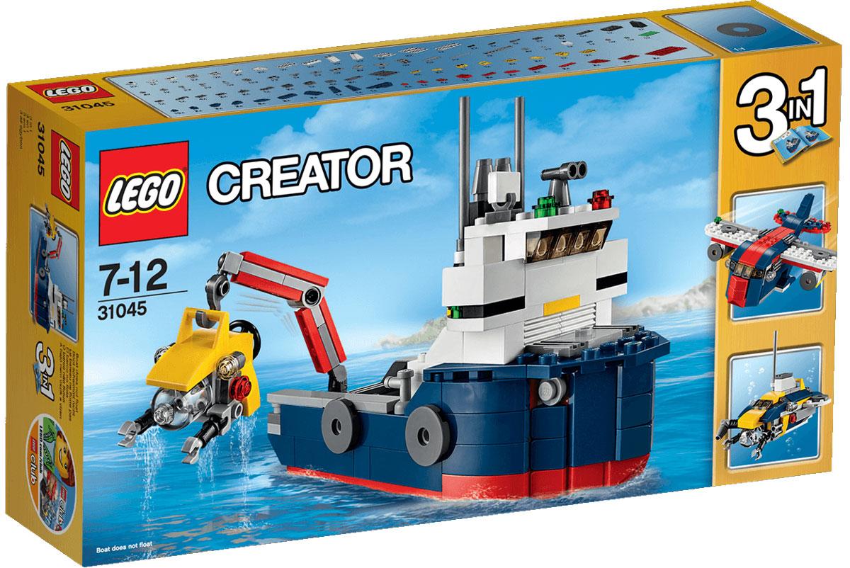 LEGO Creator Конструктор Морская экспедиция 3104531045Используйте этот крутой набор, из которого можно собрать корабль, раскрашенный в темно-синий, красный, белый и серый цвета, включающий капитанский мостик, навигационные огни, радар, антенну, трубу и желтую роботизированную подводную лодку, чтобы исследовать глубины океана. Управляйте краном на корабле, чтобы спустить подводную лодку в море, а затем погружайтесь и проводите исследования! Когда будете готовы к переменам, соберите грузовой самолет или большую подводную лодку. Набор включает в себя 213 разноцветных пластиковых элементов. Конструктор - это один из самых увлекательных и веселых способов времяпрепровождения. Ребенок сможет часами играть с конструктором, придумывая различные ситуации и истории.