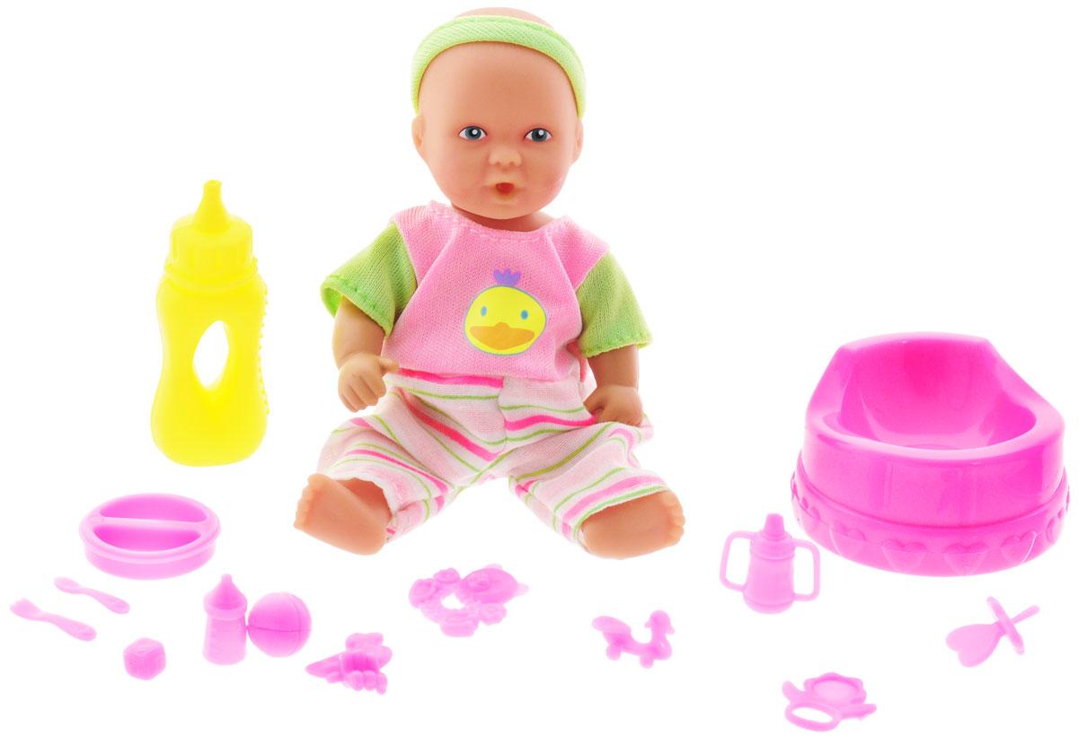 Simba Игровой набор с куклой Mini New Born Baby5033195Игровой набор Simba New Born Baby надолго займет внимание вашей малышки и подарит ей множество счастливых мгновений. Голова, руки и ноги куколки подвижны, во рту есть отверстие для бутылочки или соски. Пупс одет в яркий комбинезончик с розовыми и салатовыми полосками, который легко снимается. Кукла может пить и ходить на горшок. В комплекте с пупсом прилагается горшочек, бутылочка и множество различных аксессуаров для кормления и игры с маленьким пупсом.