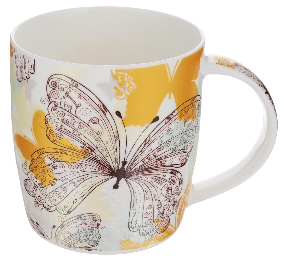 Кружка Бабочки, цвет: белый, желтый, 355 млLQB35-X404_белый, желтыйКружка Бабочки изготовлена из высококачественного фарфора, покрытого слоем сверкающей глазури. Внешние стенки изделия оформлены красочным изображением бабочек. Такая кружка прекрасно подойдет для горячих и холодных напитков. Она дополнит коллекцию вашей кухонной посуды и будет служить долгие годы. Диаметр кружки (по верхнему краю): 8,5 см.