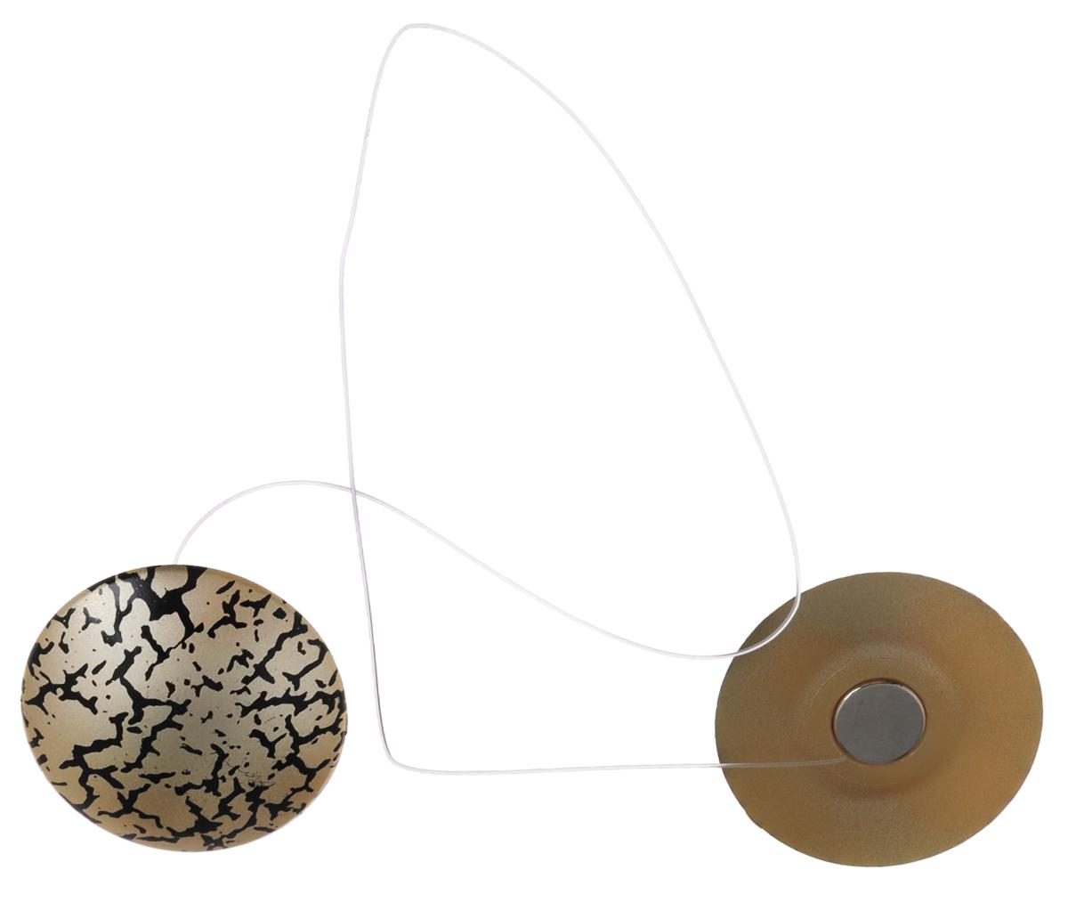 Клипсы магнитные для штор SmolTtx Трещины, с леской, цвет: бежевый, черный, , длина 33,5 см, 2 шт544091_6ЕМагнитные клипсы SmolTtx Трещины предназначены для придания формы шторам. Изделие представляет собой соединенные леской два элемента, на внутренней поверхности которых расположены магниты. С помощью такой клипсы можно зафиксировать портьеры, придать им требуемое положение, сделать складки симметричными или приблизить портьеры, скрепить их. Следует отметить, что такие аксессуары для штор выполняют не только практическую функцию, но также являются одной из основных деталей декора, которая придает шторам восхитительный, стильный внешний вид. Длина клипсы (с учетом лески): 33,5 см. Диаметр клипсы: 3,5 см.