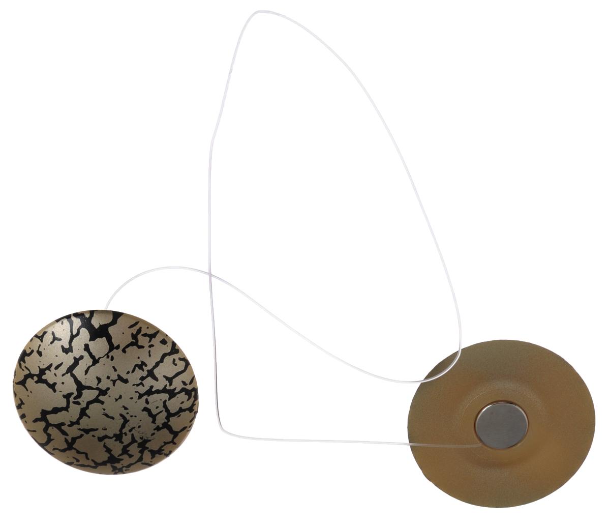 Клипсы магнитные для штор SmolTtx Трещины, с леской, цвет: темно-бежевый, черный, длина 33,5 см, 2 шт544091_19ЕМагнитные клипсы SmolTtx Трещины предназначены для придания формы шторам. Изделие представляет собой соединенные леской два элемента, на внутренней поверхности которых расположены магниты. С помощью такой клипсы можно зафиксировать портьеры, придать им требуемое положение, сделать складки симметричными или приблизить портьеры, скрепить их. Следует отметить, что такие аксессуары для штор выполняют не только практическую функцию, но также являются одной из основных деталей декора, которая придает шторам восхитительный, стильный внешний вид. Длина клипсы (с учетом лески): 33,5 см. Диаметр клипсы: 3,5 см.