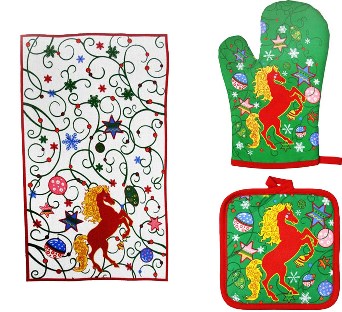 Подарочный набор для кухни Bonita Красный конь, 3 предмета1101211860Подарочный набор для кухни Bonita Красный конь состоит из прихватки, полотенца и рукавицы. Рукавица и прихватка оснащены петельками для подвешивания. Предметы набора, выполненные из хлопка и полиэстера, оформлены ярким новогодним принтом и декорированы блестками. Такой набор оригинально украсит интерьер и будет уместен на любой кухне. Прекрасно подойдет в качестве подарка, который окажется не только приятным, но и полезным в хозяйстве. Размер прихватки: 17 см х 17 см. Размер полотенца: 63 см х 38 см. Размер рукавицы: 26 см х 17 см.