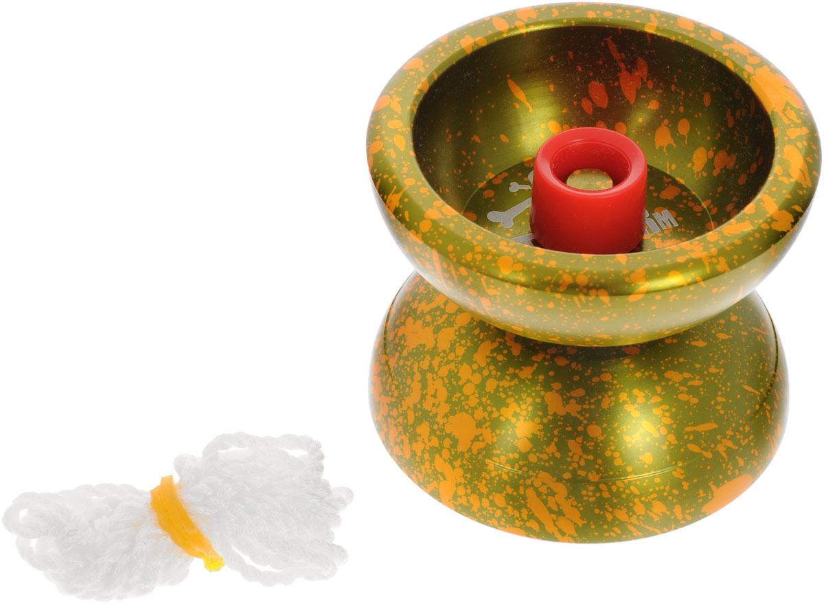 Aero-Yo Йо-йо Aero Storm цвет зеленый оранжевый732017_зеленый, желтыйЙо-йо Aero Storm - топовое йо-йо в металлической линейке хай-ендов. Ставшая классической форма йо-йо позволяет ему очень удобно лежать в руке, а увеличение веса по ободам дает довольно долгий слип. Уже промытый подшипник с канавкой и резиновые тормоза превращают это йо-йо в инструмент профессионала сразу, как только вы достанете его из коробки! Прекрасное и качественное покрытие и боковые хабстэки позволяют играть с йо-йо в стиле матадор. Aero Storm - одно из самых популярных йо-йо как у новичков, перешедших на более высокий уровень мастерства, так и у профессионалов. Их выбор пал на Aero Storm не зря - отличные игровые характеристики, габариты и вес, распределение веса и мягкая тормозная система - все это в совокупности делает йо-йо отличным снарядом для тренировок и наращивания скилла. Йо-йо - это игрушка, состоящая из двух симметричных половинок соединенных осью, к которой прикреплена веревка. Современный йо-йо значительно отличается от тех, к которым...