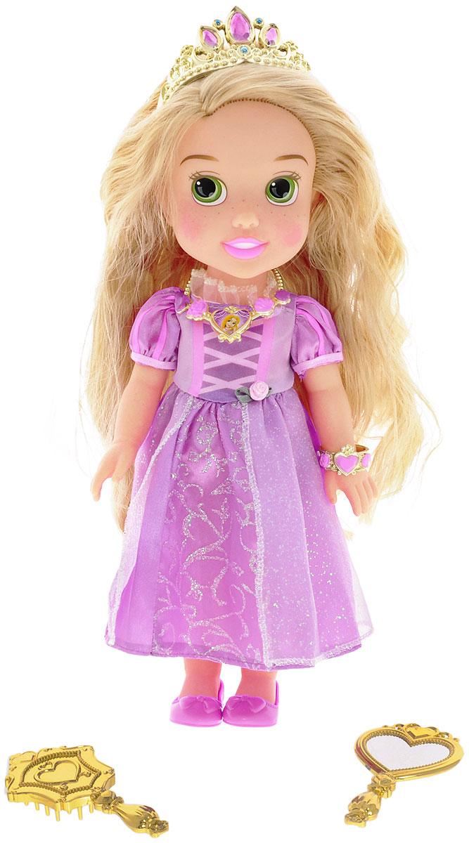 Disney Princess Кукла Малышка Рапунцель791820_РапунцельКукла Disney Малышка Рапунцель непременно приведет в восторг вашу дочурку и обязательно станет ее любимой игрушкой. Очаровательная кукла выполнена в виде белокурой красавицы Рапунцель из одноименного мультфильма. Рапунцель одета в свой классический наряд - изящное длинное сиреневое платье с рукавами-фонариками, юбка которого украшена множеством сверкающих блесток. На ногах у нее - удобные башмачки. Волосы куколки украшены тиарой. Голова, ручки и ножки куклы подвижны. В комплект также входят аксессуары для куклы и ее хозяйки - подвеска, безопасное зеркало, расческа и браслет, который девочка сможет носить как кольцо. Благодаря играм с куклой, ваша малышка сможет развить фантазию и любознательность, овладеть навыками общения и научиться ответственности. Девочка сможет часами играть с этой милой куколкой, укладывая и заплетая ее длинные волосы и придумывая различные истории.
