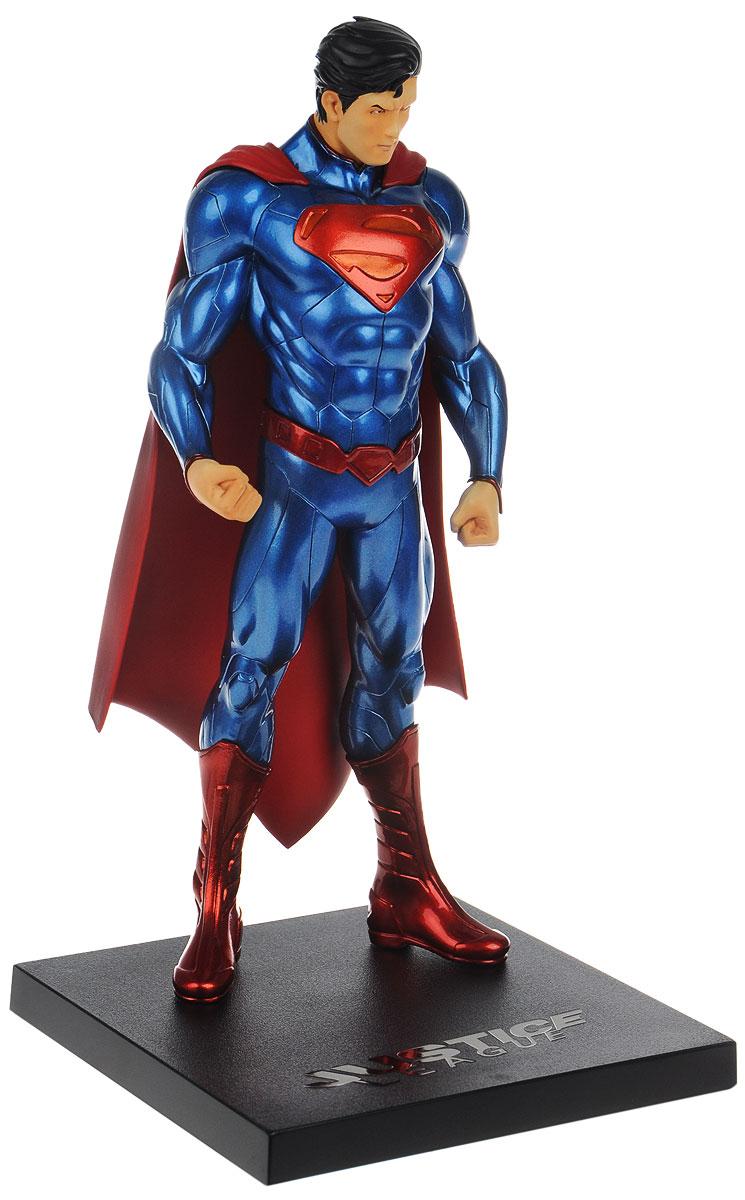 Новые 52. Статуэтка Супермен