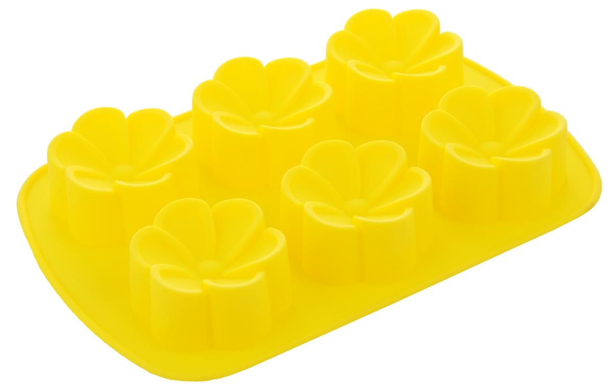 Форма для выпечки Mayer & Boch Цветочки, цвет: желтый, 6 ячеек22076_желтыйФорма для выпечки Mayer & Boch Цветочки изготовлена из высококачественного силикона. Стенки формы легко гнутся, что позволяет легко достать готовую выпечку и сохранить аккуратный внешний вид блюда. Форма имеет 6 ячеек в виде цветочков. Силикон - материал, который выдерживает температуру от -40°С до +230°С. Изделия из силикона очень удобны в использовании: пища в них не пригорает и не прилипает к стенкам, форма легко моется. Изделие обладает эластичными свойствами: складывается без изломов, восстанавливает свою первоначальную форму. Порадуйте своих родных и близких любимой выпечкой в необычном исполнении. Можно мыть в посудомоечной машине. Размер формы: 26,5 х 17,5 х 3,5 см. Количество ячеек: 6 шт. Диаметр ячейки: 7 см. Глубина ячейки: 3,5 см.