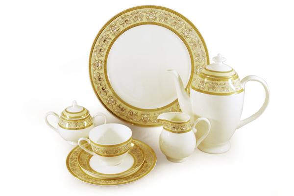 Чайный сервиз Престиж 40 предметов на 12 персон. E6-XR11Q04G/40ALE6-XR11Q04G/40ALЧайная и обеденная столовая посуда торговой марки Emerald произведена из высококачественного костяного фарфора. Благодаря высокому качеству исполнения, разнообразным декорам и оптимальному соотношению цена – качество, посуда Emerald завоевала огромную популярность у покупателей и пользуется неизменно высоким спросом. Поверхность изделий покрыта превосходной сверкающей глазурью, не содержащей свинца.