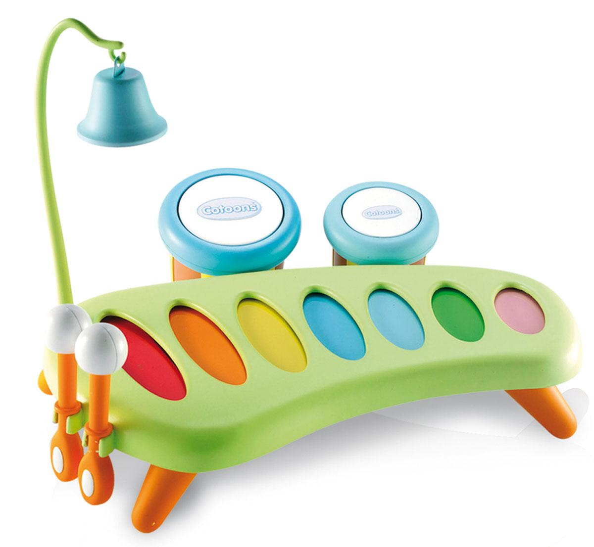 Smoby Ксилофон211013Ксилофон представляет собой игровую панель с яркими пластинами разной величины, закрепленных на пластиковом каркасе и настроенных на семь определенных ладов. По пластинам ударяют пластиковыми палочками с шарообразными наконечниками, при этом раздается необычайно чистый и яркий звук. Ксилофон стоит на небольших удобных ножках, а палочки для игры изготовлены так, чтобы маленьким пальчикам было удобно их держать. После игры палочки можно закрепить к ксилофону, вставив их в отверстия сбоку. В наборе есть тамбурины - маленькие барабанчики с разным звучанием, которые могут служить и маракасами. Ксилофон дополнен колокольчиком на высоком штативе с крючком, который крепится к ксилофону. Ксилофон развивает слух, чувство ритма и музыкальной памяти, творческое и логическое мышление, речь и навыки общения. Игра на музыкальном инструменте развивает координацию, слаженность и точность движений рук.