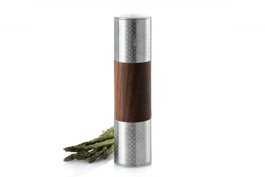 Мельница 2 в 1 для соли/перца AdHoc, серия DUOMILL DOTS. 010.070800.045010.070800.045ТМ «Адхок» (AdHoc, Германия) – мельницы для специй от ручных до автоматических, аксессуары для чая, кухонные приспособления, бар и вино. Несмотря на такое разнообразие продукции, все предметы связаны единым подходом к дизайну, который отличает безупречная функциональность и умные детали. Кроме того, товары Adhoc изготовлены их лучших материалов – нержавеющей стали, высококачественного пластика, дерева и силикона. Вся линейка очень притягательна визуально и любой предмет может служить интересным подарком или просто доставлять удовольствие владельцу.