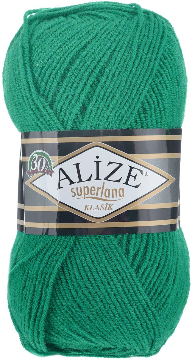 Пряжа для вязания Alize Superlana Klasik, цвет: изумруд (20), 280 м, 100 г, 5 шт692917_20Классическая пряжа Alize Superlana Klasik имеет среднюю толщину нити и состоит из 25% шерсти и 75% акрила. Подходит для создания вещей на осень. Пуловеры, платья, кардиганы, шапки и шарфы из этой пряжи отлично держат форму и прекрасно согреют вас в холодную погоду. Благодаря составу и скрутке, петли отлично ложатся одна к другой, вязаное полотно получается ровное и однородное. Пряжа рассчитана на любой уровень мастерства, но особенно понравится начинающим мастерицам - благодаря толстой нити пряжа Alize Superlana Klasik позволяет быстро связать простую вещь. Структура и состав пряжи максимально комфортны для вязания. Рекомендуемый размер спиц и крючка: № 3-4. Состав: 75% акрил, 25% шерсть.