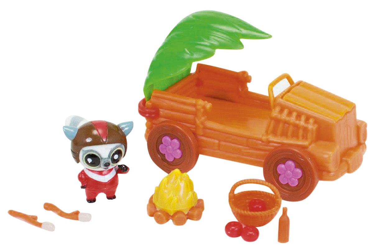 Simba Игровой набор Safari Jeep5950590Игровой набор Simba Safari Jeep позволит отлично провести время на охоте с Юху и его друзьями. На этот раз Юху решил покататься по лесу на оригинальном джипе. У машинки открывается капот, а верх в виде зеленого листочка. Элементы набора изготовлены из безопасных для ребенка материалов. Забавная фигурка выполнена из приятного на ощупь мягкого флока. Набор включает в себя мини-фигурку, джип и необходимые аксессуары для пикника на природе. Во время игры малыш развивает воображение и моторику пальцев рук. Этот замечательный набор станет отличным подарком для любого ребенка. Ваш малыш часами будет играть с таким набором, придумывая различные истории.
