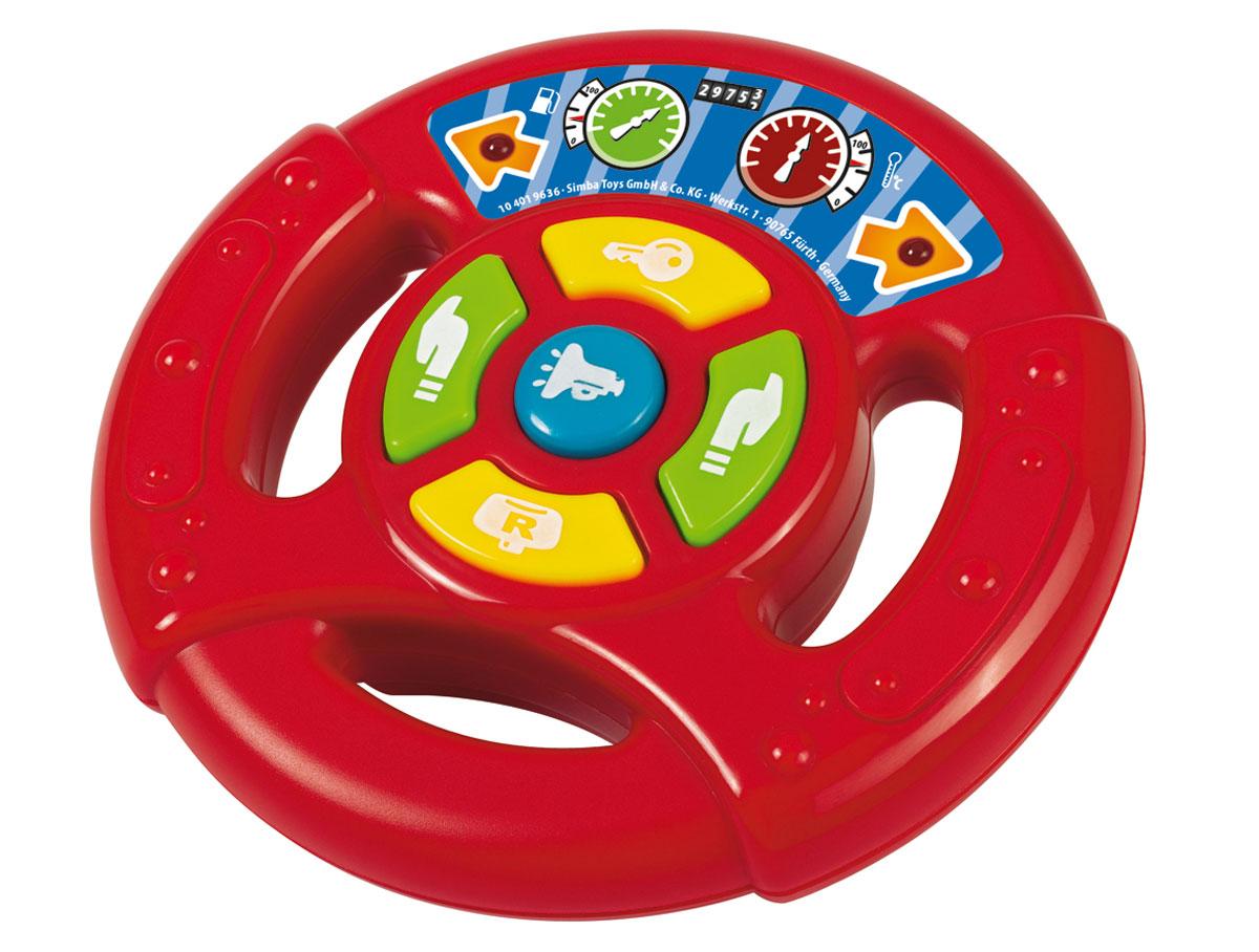 Simba Руль игровой4019636Музыкальная игрушка Руль надолго займет внимание вашего ребенка. Она выполнена из безопасного яркого пластика в виде красного руля автомобиля и оснащена световыми и звуковыми эффектами. На руле расположены 5 кнопок и 2 лампочки, мигающие при нажатии на кнопки. В центре находится кнопка-гудок, боковые кнопки-поворотники. Желтые кнопки воспроизводят звук работающей машины. Игрушка Руль способствует развитию цветового и звукового восприятия, внимания, воображения, сообразительности, памяти, координации движений и мелкой моторики рук. Рекомендуется докупить 2 батарейки типа АА (товар комплектуется демонстрационными).