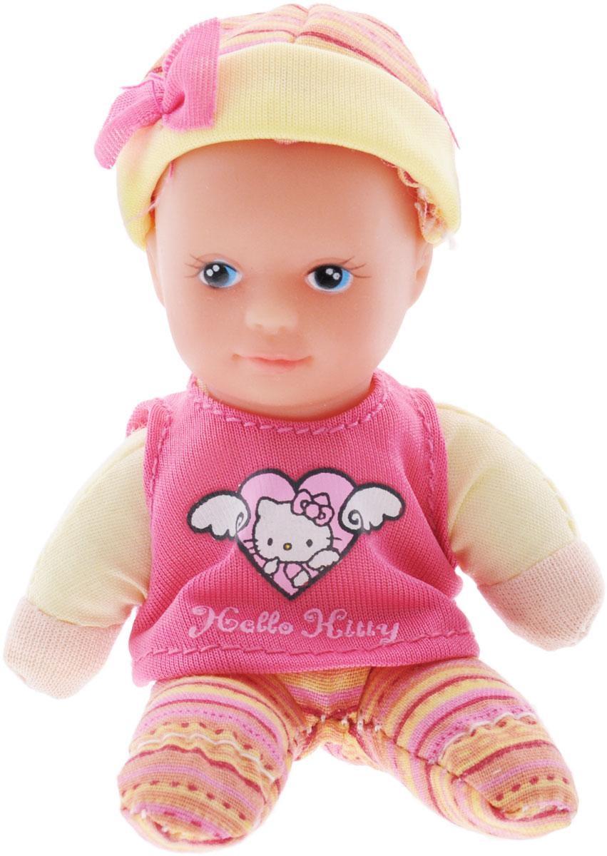 Simba Пупс Hello Kitty цвет костюма розовый желтый5013363_розовый, желтыйПупс Simba Hello Kitty непременно приведет в восторг вашу дочурку. Голова, ручки и ножки пупса выполнены из прочного пластика, а тело - мягконабивное. Очаровательный малыш одет в розово-желтый костюмчик и майку, оформленную принтом с изображением кошечки Киттиа на голове у него - чепчик из текстильного материала. Трогательный пупс принесет радость и подарит своей обладательнице мгновения нежных объятий. Игры с куклами способствуют эмоциональному развитию, помогают формировать воображение и художественный вкус, а также разовьют в вашей малышке чувство ответственности и заботы. Великолепное качество исполнения делают эту куколку чудесным подарком к любому празднику.