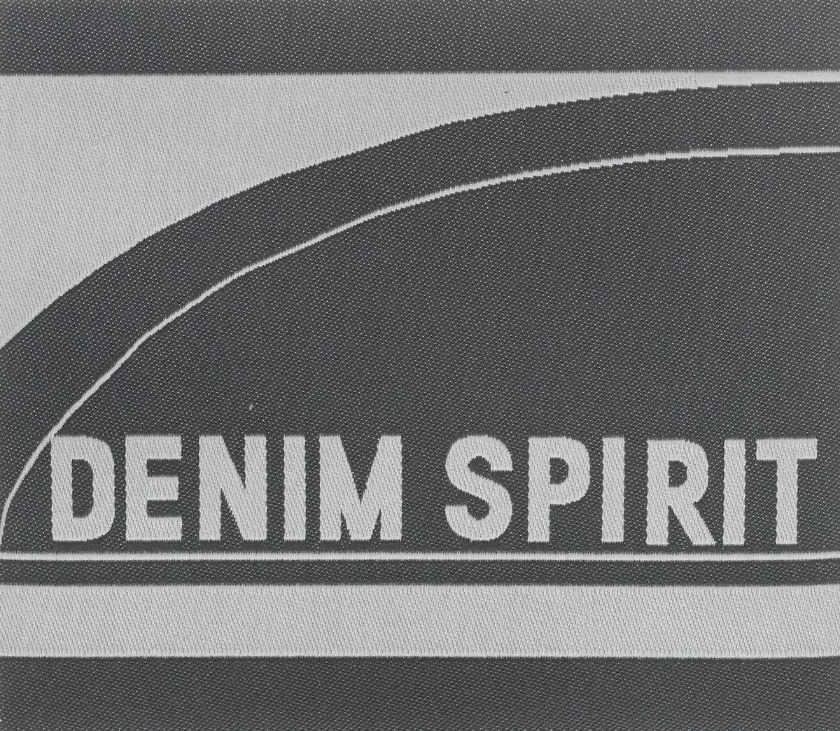 Термоаппликация Prym Denim Spirit, 10,5 х 9,2 см343225Вышитая термоаппликация Prym Denim Spirit изготовлена из 100% полиэстера. Изделие оснащено с оборотной стороны клеящейся основой, которая без труда закрепляется при помощи утюга. Для большей надежности вы также можете пришить ее по краям, предотвращая отклеивание после многократных стирок. Термоаппликация оформлена надписью.