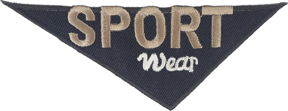 Термоаппликация Prym Sport Wear, 11 х 4 см343242Термоаппликация Prym Sport Wear с обратной стороны имеет клеящую основу, при помощи которой вы без труда прикрепите данную аппликацию на вашу одежду. Для большей надежности вы также можете пришить ее по краям, предотвращая отклеивание после многократных стирок. Термоаппликация выполнена в треугольной форме с надписью Sport Wear.