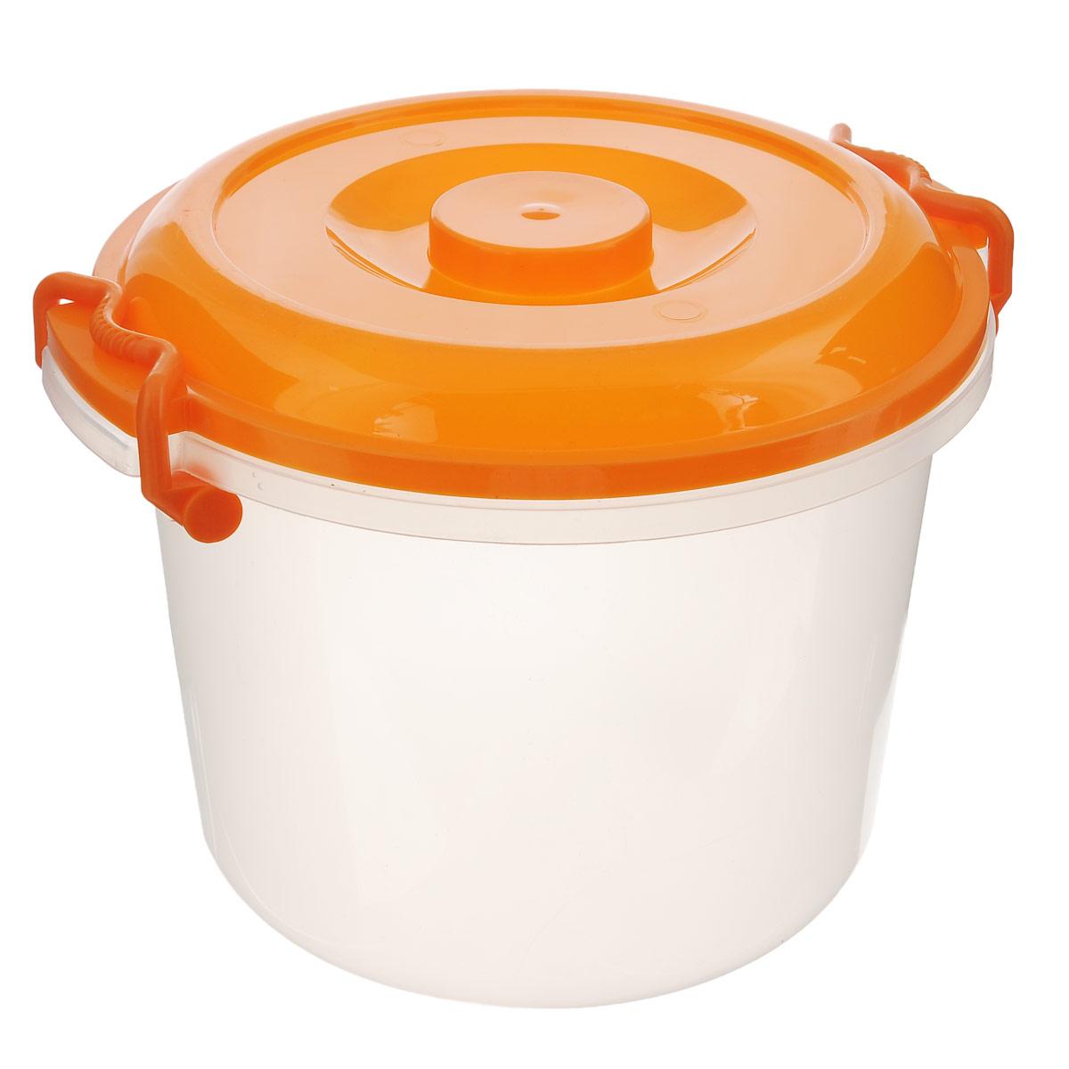 Контейнер Альтернатива, цвет: оранжевый, прозрачный, 8 лМ098Контейнер Альтернатива изготовлен из высококачественного пищевого пластика. Изделие оснащено крышкой и ручками, которые плотно закрывают контейнер. Также на крышке имеется ручка для удобной переноски. Емкость предназначена для хранения различных бытовых вещей и продуктов. Такой контейнер очень функционален и всегда пригодится на кухне. Диаметр контейнера (по верхнему краю): 25 см. Высота контейнера (без учета крышки): 21 см. Объем: 8 л.