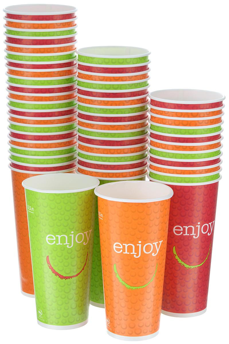 Набор одноразовых стаканов Huhtamaki Enjoy, бумажные, 500 мл, 50 штПОС21556Одноразовые стаканы Huhtamaki Enjoy изготовлены из ламинированной плотной бумаги и оформлены оригинальным рисунком. Изделия предназначены для подачи холодных напитков. Вы можете взять их с собой на природу, в парк, на пикник и наслаждаться вкусными напитками. Несмотря на то, что стаканы бумажные, они очень прочные и не промокают. Диаметр стакана (по верхнему краю): 8,5 см. Высота стакана: 17 см.