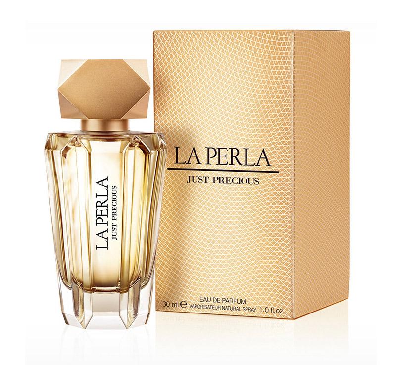 La Perla JUST PRECIOUS WOMAN парфюмированная вода 30 мл12504Цветочные, цитрусовые. Бергамот, мандарин, цветок апельсина, ваниль, пачули, сандаловое дерево, янтарь, иланг-иланг, пион
