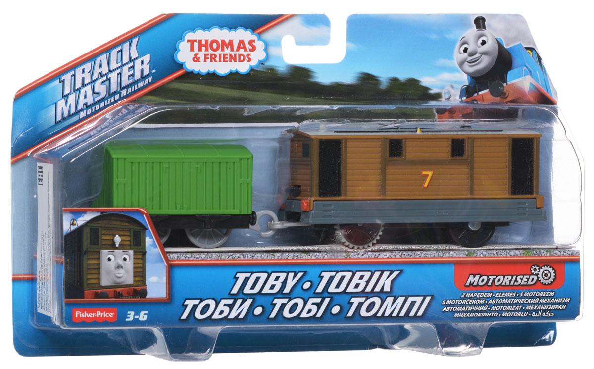 Thomas&Friends Базовый паровозик Тоби, цвет: зеленый коричневыйBMK87_CDB70Базовый паровозик Thomas&Friends Тоби привлечет внимание вашего малыша и не позволит ему скучать. Он выполнен из прочного материала в виде Тоби, героя популярного мультсериала Томас и его друзья (Thomas & Friends ). Игрушка имеет улучшенные скоростные характеристики и мощность. С таким двигателем Тоби будет набирать еще большую скорость и высоту, совершая захватывающие путешествия. Переведите переключатель на крыше Тоби и с ветерком отправьте паровозик в увлекательное путешествие! В комплект входит дополнительный вагончик. Порадуйте своего непоседу такой замечательной игрушкой! Необходимо купить 2 батарейки напряжением 1,5V типа ААА (не входят в комплект).