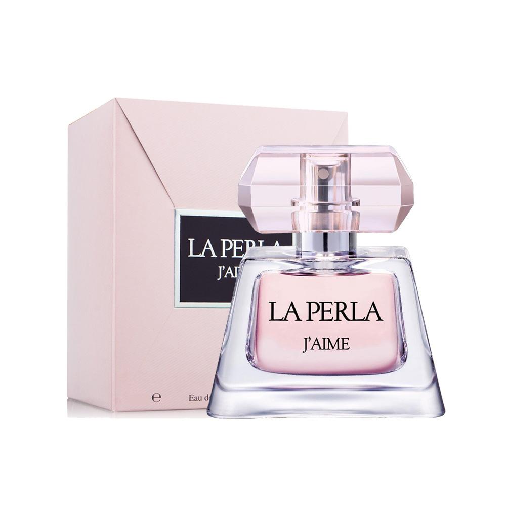La Perla JAime Woman Парфюмерная вода, 50 мл5233JAime - La Perla призван нести в мир красоту, и главная задача бренда - выразить эмоции: страсть, нежность, любовь. Все это есть в аромате JAime, который очаровывает изящностью цветочного букета и чувственностью шипра. Перец, бергамот и личи открывают аромат, а далее следует теплое сердце из страстного египетского жасмина, ласковой лилии и задорной малины. Шлейф подчеркивает чувственность этого аромата нотами мускуса и карамели, а женственность пачули и янтаря делает обладательницу парфюма еще более элегантной и притягательной. Классификация аромата : Шипровые, цветочные. Бергамот, личи, перец, водяная лилия, жасмин, малина, амбра, карамель, мускус, пачули. Самый популярный вид парфюмерной продукции на сегодняшний день - парфюмерная вода. Это объясняется оптимальным балансом цены и качества - с одной стороны, достаточно высокая концентрация экстракта (10-20% при 90% спирте), с другой - более доступная, по сравнению с духами, цена. У...