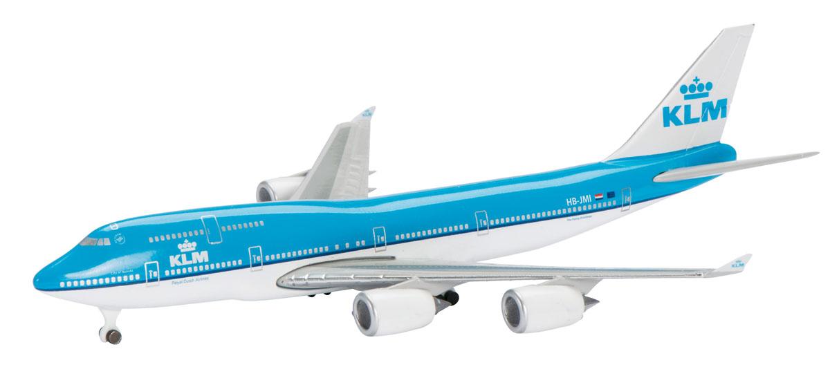 Schuco Модель самолета Boeing B747-400 KLM403551637Оригинальная модель самолета Schuco Boeing B747-400 KLM привлечет внимание как детей, так и опытных коллекционеров. Модель представляет собой детально выполненную копию авиалайнера Boeing B747-400, который окрашен в фирменном стиле KLM. Модель не нуждается в сборке. Корпус самолета полностью выполнен из металла. Масштаб 1:600. В комплекте с моделью прилагается подставка.