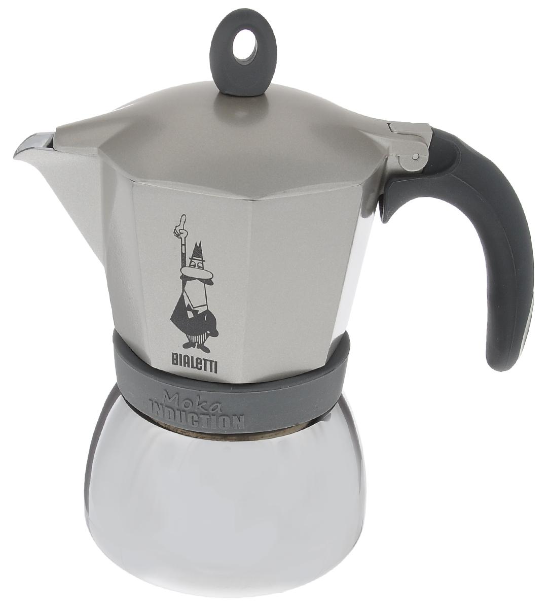 Кофеварка гейзерная Bialetti Moka Induction, цвет: серый, на 6 чашек4833Компактная гейзерная кофеварка Bialetti Moka Induction изготовлена из высококачественного алюминия и стали. Объема кофе хватает на 6 чашек. Изделие оснащено удобной обрезиненной ручкой. Принцип работы такой гейзерной кофеварки - кофе заваривается путем многократного прохождения горячей воды или пара через слой молотого кофе. Удобство кофеварки в том, что вся кофейная гуща остается во внутренней емкости. Гейзерные кофеварки пользуются большой популярностью благодаря изысканному аромату. Кофе получается крепкий и насыщенный. Теперь и дома вы сможете насладиться великолепным эспрессо. Подходит для газовых, электрических, стеклокерамических и индукционных плит. Нельзя мыть в посудомоечной машине. Высота (с учетом крышки): 20 см.