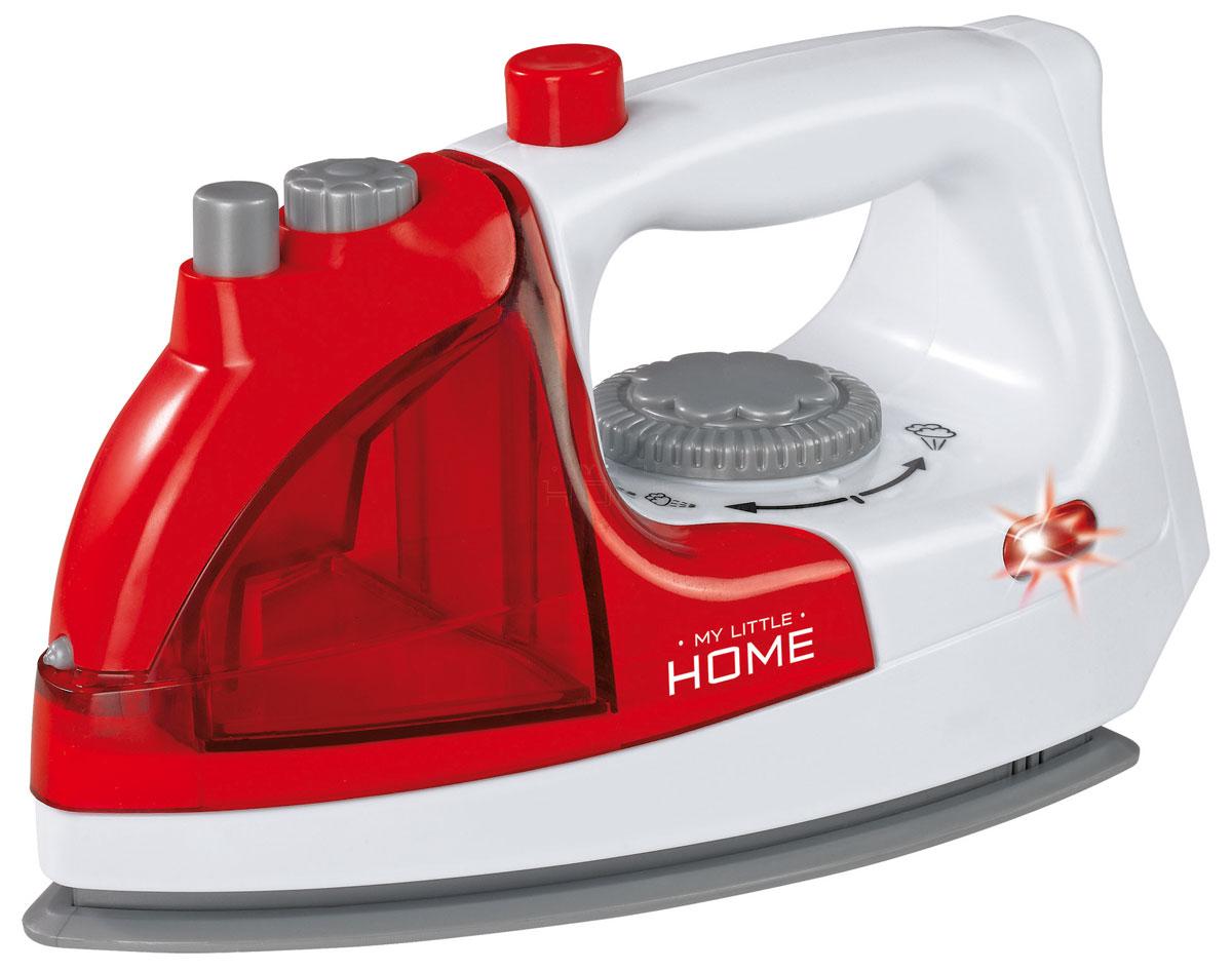 Simba Игровой набор Утюг с водой4730971Игровой набор Simba Утюг с водой - игрушка, по внешнему виду напоминающая настоящий бытовой прибор. Предназначается для девочек, достигших 3 лет. Модель выполнена из качественного безопасного пластика в красно-белых тонах. Включение утюга сопровождается зажиганием красного индикатора. Прибор имеет в своей конструкции резервуар с водой, из которого после нажатия кнопки начинает появляться пар с изданием характерных звуков. Каждая девочка будет просто в восторге от такой игрушки, ведь вместе с ней она теперь сможет погладить любую одежку для своей маленькой куколки! Игра с таким способствует развитию детской фантазии и мелкой моторики рук. Необходимо купить 2 батарейки напряжением 1,5V типа R6 (не входят в комплект).