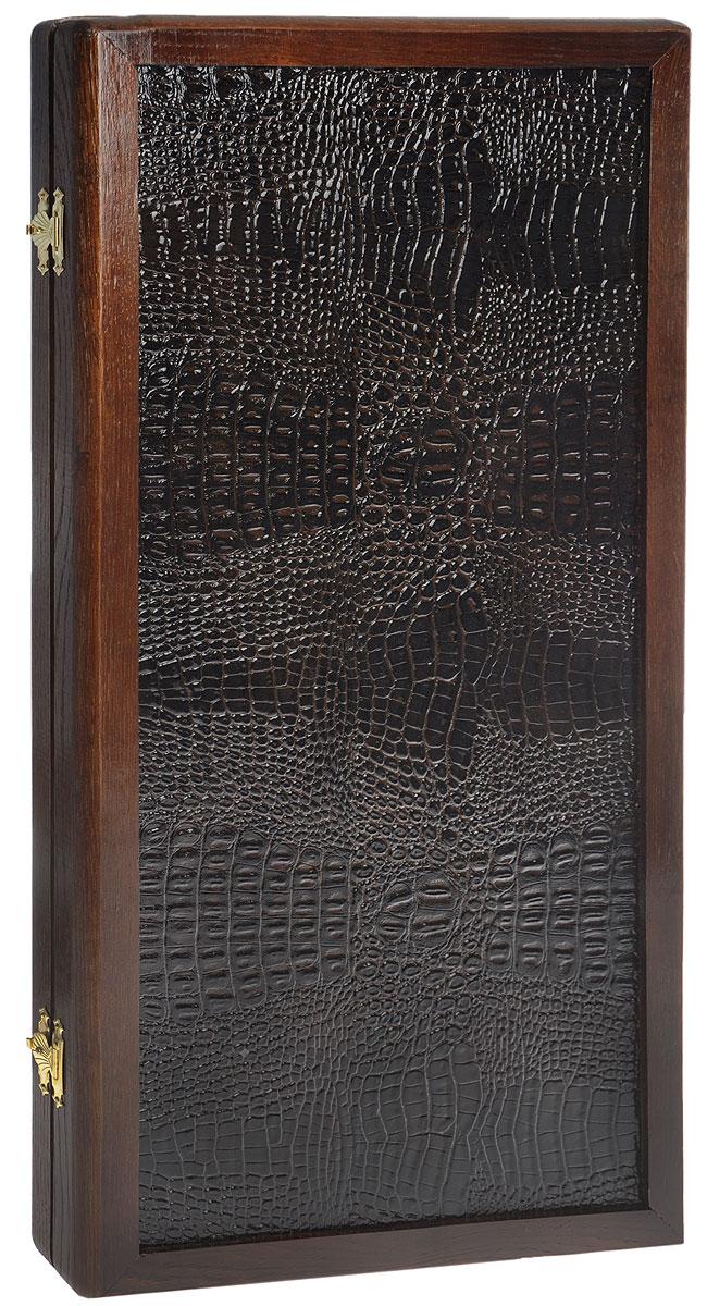 Нарды большие Лидер, размер: 60х30х6 см. 10071007Нарды Лидер представляют собой деревянный кейс, который закрывается на металлические защелки. Внешняя часть изготовлена из дуба с вставками из темно-коричневой экокожи. Внутренняя часть кейса - резное игровое поле для игры в нарды. В наборе имеются два игральных кубика и 30 деревянных фишек. Цель игры в нарды состоит в том, чтобы сначала привести шашки в свой дом (мешая в тоже время сделать это сопернику), а затем, когда это удалось сделать, снять их с доски быстрее соперника. Побеждает тот, кто первым снял свои шашки. Нарды - древняя восточная игра. Родина этой игры неизвестна, однако, известно, что люди играют в эту игру уже более 7000 лет. На игровой доске для нард все кратно шести и имеет связь со временем. 24 пункта представляют 24 часа, 30 шашек представляют 30 дней в месяце, 12 пунктов на каждой стороне доски символизируют 12 месяцев. Нарды - это отличный подарок, который понравится каждому и подойдет к любому поводу. Высокое качество...