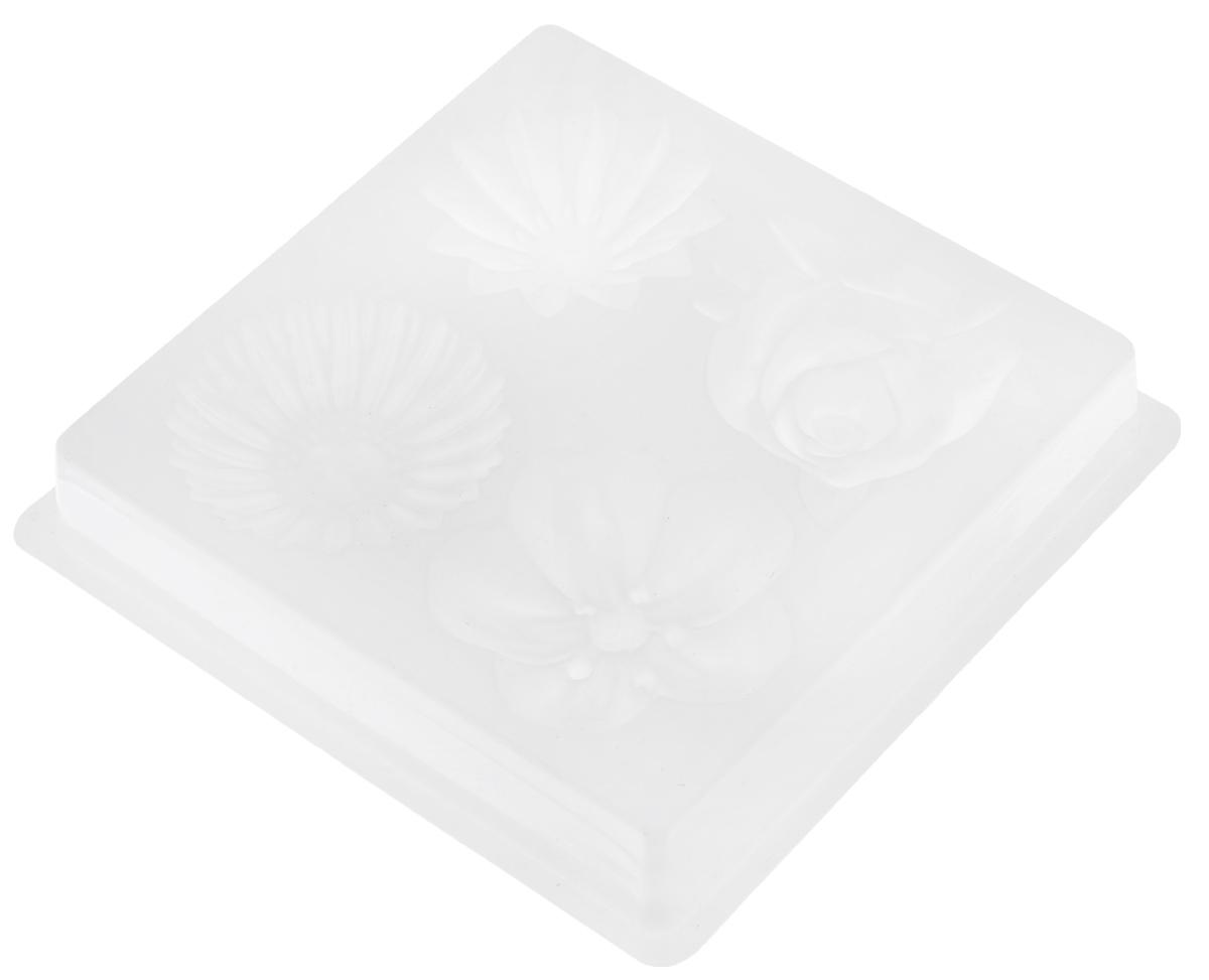Форма для литья Выдумщики Цветы, 13 х 13 см х 2,5 см2700770021080Форма для литья Выдумщики Цветы выполнена из пластика. Изготовленное в такой форме мыло получит забавный, оригинальный дизайн. При помощи такой формы для литья можно самостоятельно изготовить домашнее мыло, шоколад или оригинальную свечу для украшения праздничного стола и интерьера. Средний размер готового мыла: 5 см х 5 см х 2,5 см.