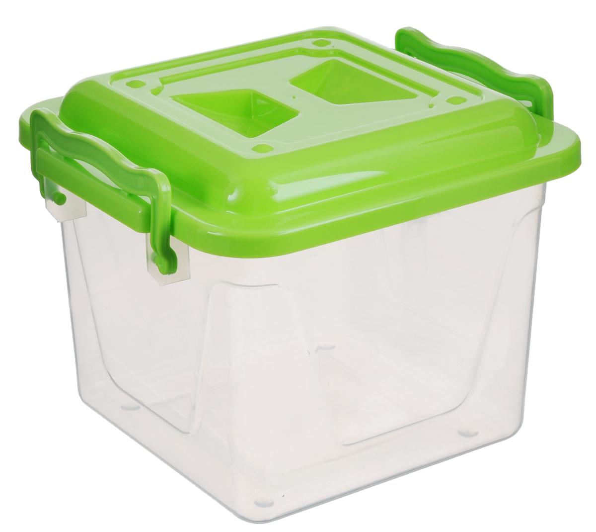 Контейнер Альтернатива, цвет: салатовый, прозрачный, 4 лМ1021_салатовый, прозрачныйКвадратный контейнер Альтернатива, выполненный из прочного пластика, предназначен для хранения различных бытовых вещей и продуктов. Он оснащен по бокам ручками, которые плотно закрывают крышку контейнера. Контейнер Альтернатива поможет хранить все в одном месте, а также защитит вещи от пыли, грязи и влаги.