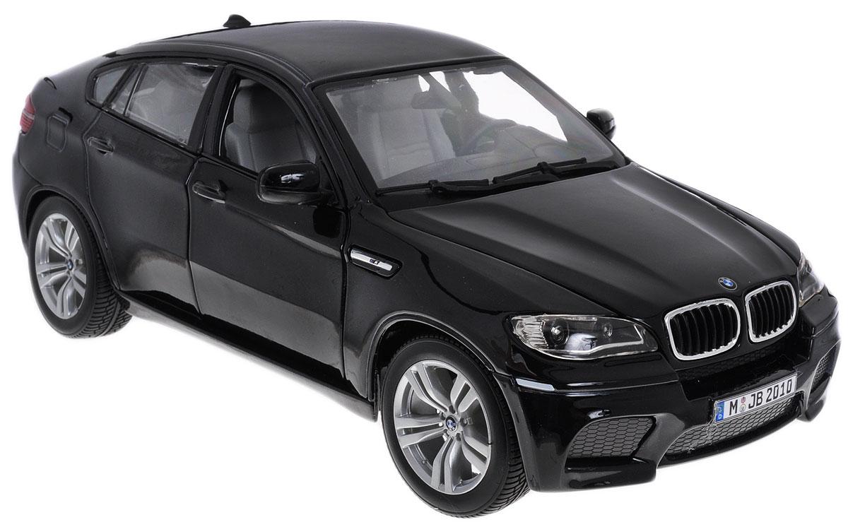 Bburago Модель автомобиля BMW X6 M цвет черный18-12081_черныйМодель автомобиля Bburago BMW X6 M для тех, кто любит роскошь и высокие скорости. Благодаря броской внешности, а также великолепной точности, с которой создатели этой модели масштабом 1/18 передали внешний вид настоящего автомобиля, машинка станет подлинным украшением любой коллекции авто. Машинка будет долго служить своему владельцу благодаря металлическому корпусу с элементами из пластика. Передние двери машины и капот открываются. При повороте руля изменяют свое направление колеса. Шины обеспечивают отличное сцепление с любой поверхностью пола. Модель автомобиля BMW X6 M понравится вашему ребенку и станет достойным экспонатом любой коллекции.