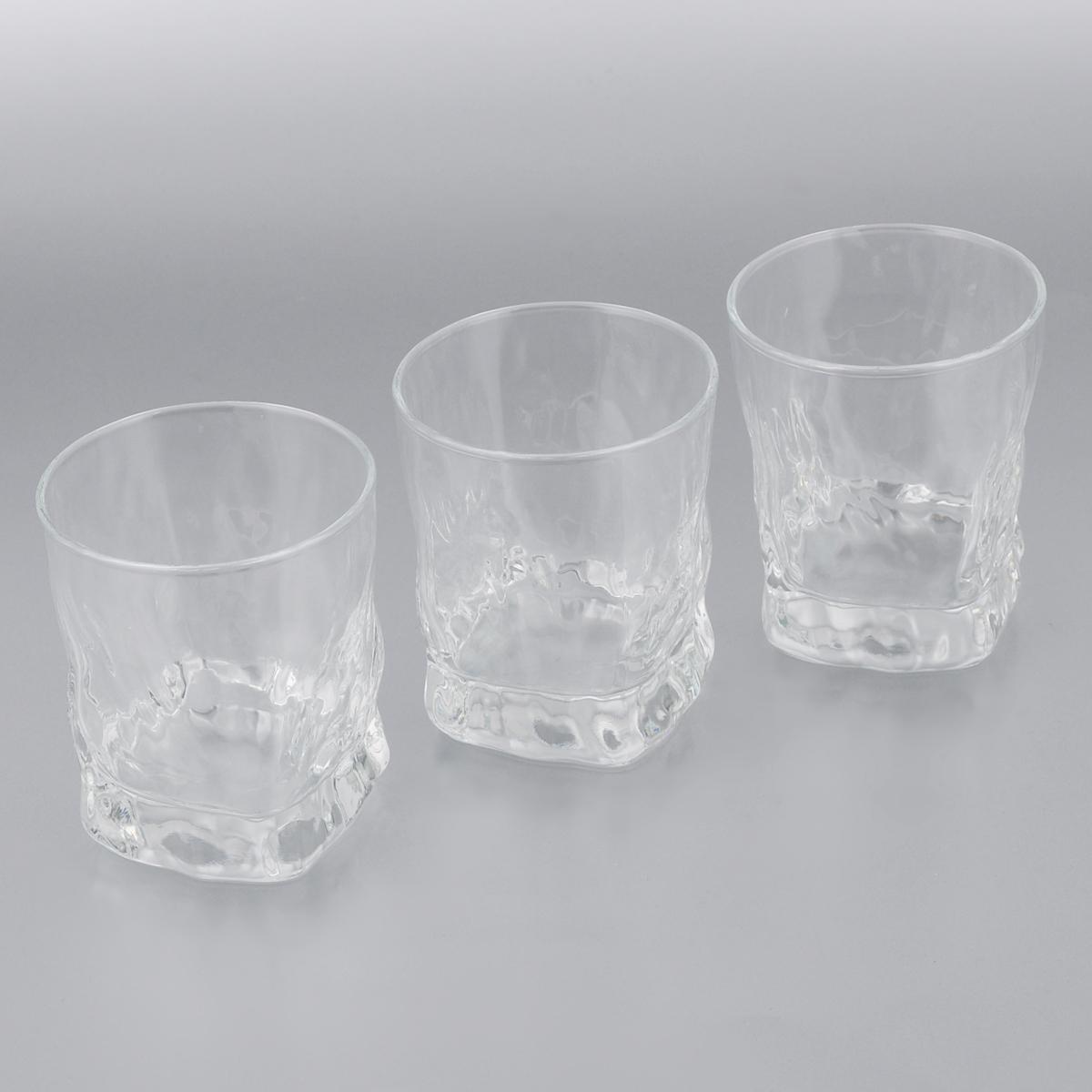 Набор стаканов Luminarc Icy, 300 мл, 3 штG2766Набор Luminarc Icy состоит из трех стаканов, выполненных из высококачественного стекла. Изделия предназначены для подачи воды и других напитков. Они отличаются особой легкостью и прочностью, излучают приятный блеск и издают мелодичный хрустальный звон. Стаканы станут идеальным украшением праздничного стола и отличным подарком к любому празднику. Можно мыть в посудомоечной машине. Диаметр стакана (по верхнему краю): 8,5 см. Высота: 10 см.