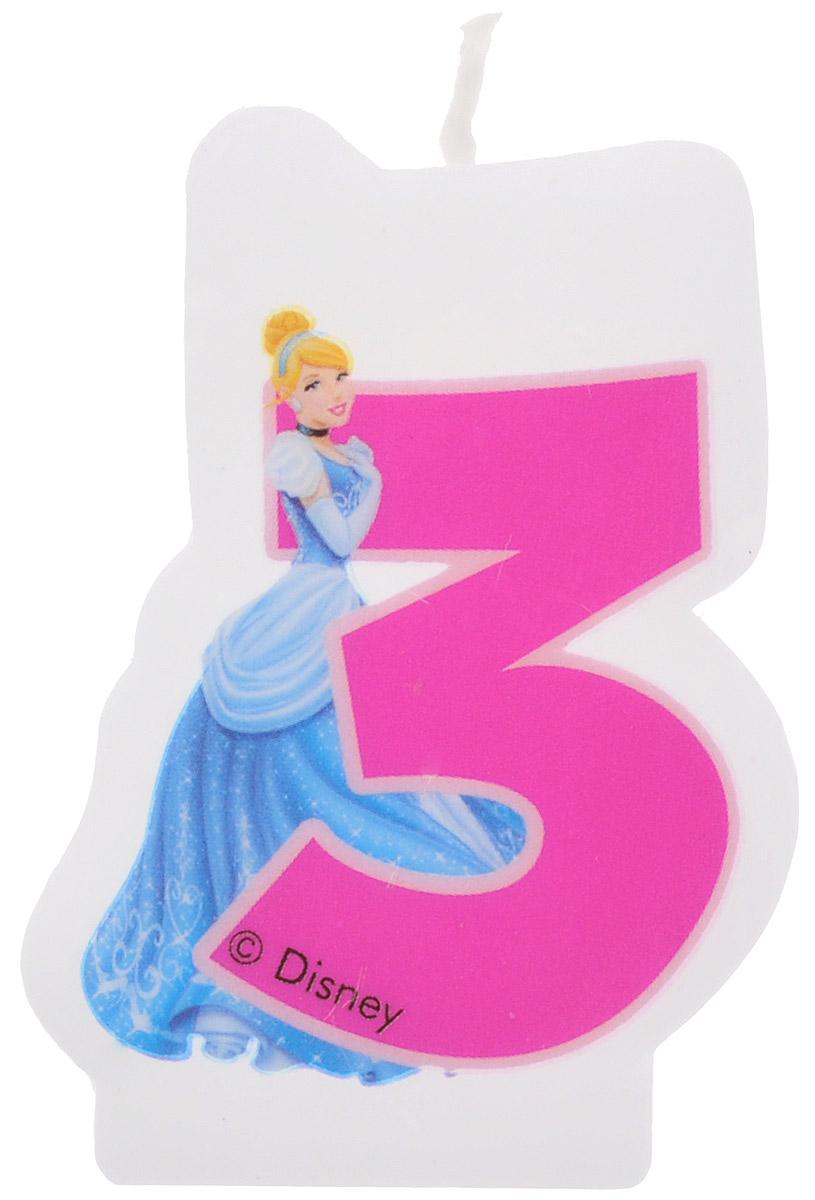 Procos Свеча-цифра для торта Принцессы 3 года9043, 82896Каждая именинница ждет своего праздничного торта со свечками, которые можно задуть и загадать желание. Вашей малышке будет особенно приятно видеть свечки с фигурками любимых сказочных принцесс Диснея. Свечка с принцессой Золушкой украсит праздничный торт малышки, которая отмечает свой третий день рождения.