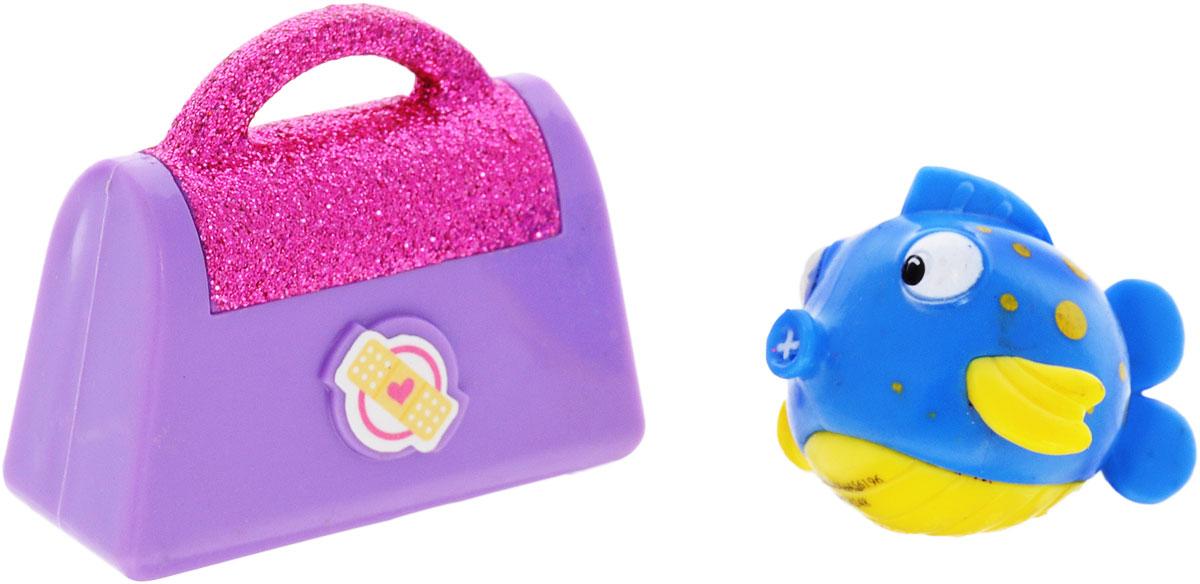 Доктор Плюшева Фигурка Рыбка с чемоданом90118_рыбка/чемоданФигурка Доктор Плюшева Рыбка с чемоданом непременно понравится любому маленькому поклоннику знаменитого мультфильма. Фигурка выполнена из прочного безопасного пластика в виде рыбки Пискуна, героя мультсериала Доктор Плюшева. В комплект также входит дополнительный аксессуар - чемоданчик, который разнообразит игру и сделает ее еще более увлекательной. Ваш малыш сможет часами играть с этой фигуркой, разыгрывая сценки из мультфильма или придумывая собственные истории. Веселый Пискун непременно станет лучшим другом вашего ребенка!