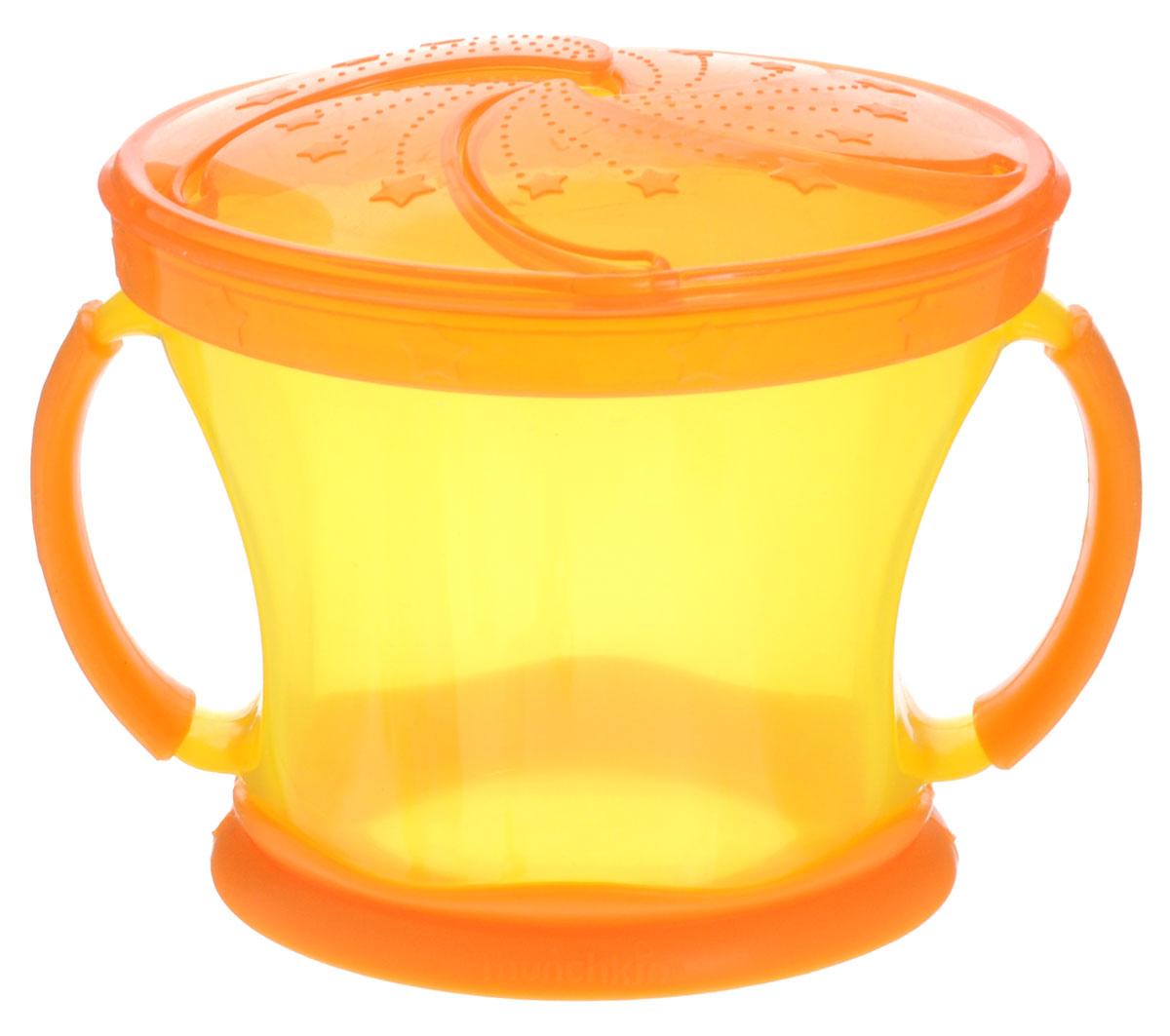 Munchkin Контейнер Поймай печенье, цвет: желтый, оранжевый11006_желтый-оранжевыйКонтейнер с ручками Munchkin Поймай печенье выполнен из безопасного пластика. Он идеально подходит, если нужно покормить малыша на ходу, чтобы закуска осталась в контейнере, а не на полу, не на сиденье автомобиля или коляски! Мягкие силиконовые лепестки-закрылки помогают ребенку подкрепиться самостоятельно, но предотвращают рассыпание содержимого контейнера. Регулируемая крышка позволит малышу вытащить печенья или других продуктов ровно столько, сколько сможет положить в рот за один раз, контейнер не откроется, даже если упадет и перевернется. Мягкие закрылки на крышке позволяют достать печенье или кусочки другой еды, минимально испачкав пальцы.