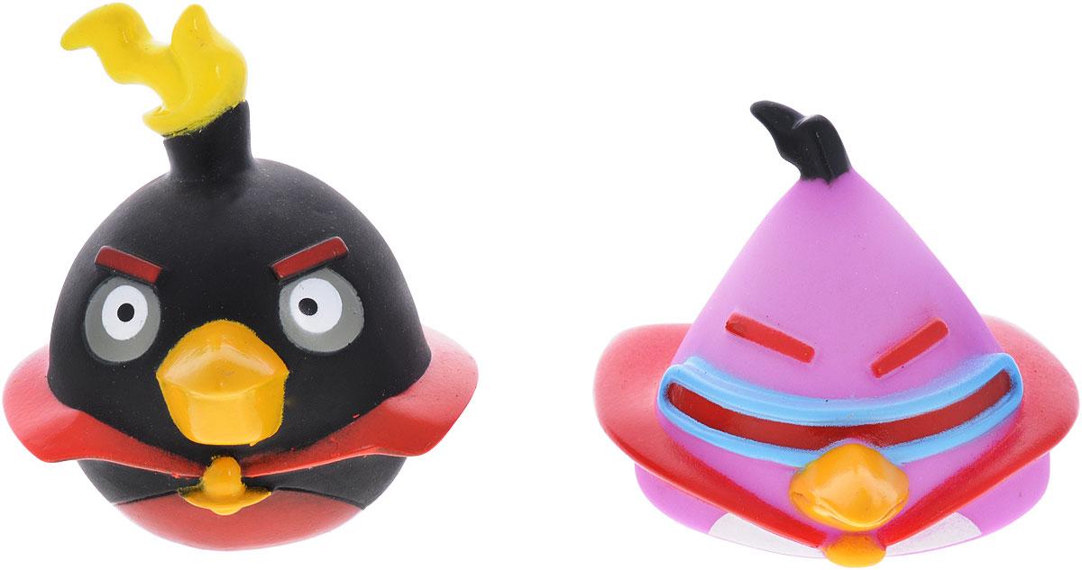 Angry Birds Игрушки для ванной Space цвет сиреневый черныйGT7755_сиреневый/чёрныйИгрушки для ванной Angry Birds непременно понравится вашему малышу и превратит купание в веселый и увлекательный процесс! При нажатии на игрушку раздается негромкий свистящий звук. Игрушки выполнены в виде птичек из знаменитой игры Angry Birds.