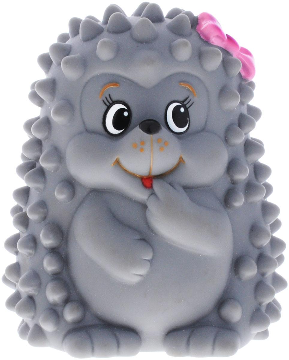 Затейники Игрушка для ванной ЁжикGT5273_серыйИгрушка-пищалка для ванной Затейники Ёжик понравится вашему ребенку и развлечет его во время купания. Она выполнена из безопасного материала в виде забавного серого ёжика с розовым бантиком. Размер игрушки идеален для маленьких ручек малыша. Если сжать ее во время купания в ванне, игрушка начинает забавно брызгаться водой. Игрушка для ванны способствует развитию воображения, цветового восприятия, тактильных ощущений и мелкой моторики рук.