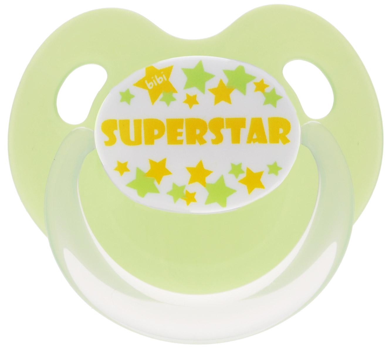 Bibi Пустышка силиконовая Dental Superstar от 6 до 16 месяцев112378Силиконовая пустышка Bibi Dental Superstar предназначена для детей от 6 до 16 месяцев. Размер соски разработан в соответствии с возрастом ребенка. Ортодонтическая форма соски способствует естественному развитию неба и челюсти. Анатомическая форма нагубника повторяет форму рта и обеспечивает удобство при движении нижней челюсти. Дополнительную безопасность обеспечивают два вентиляционных отверстия. Силиконовая пустышка Bibi Dental Superstar - это модный аксессуар, сочетающий качество, функциональность и положительные эмоции. Не содержит бисфенол А.