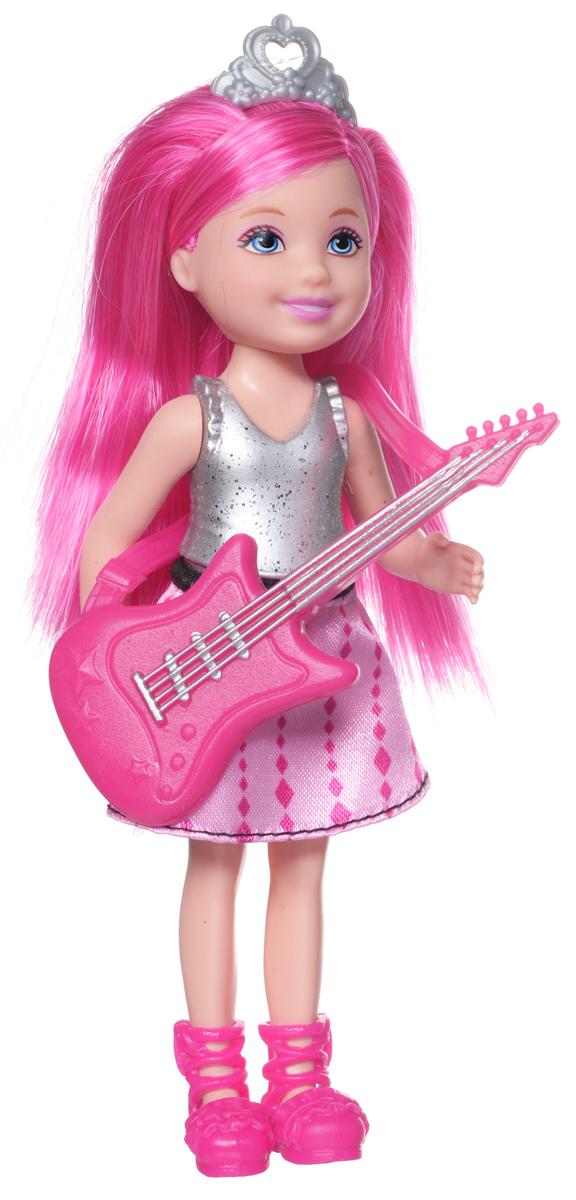 Barbie Мини-кукла Рок-принцесса в топе и юбкеCKB68_CKB69Мини-кукла Barbie Рок-принцесса порадует вашу малышку и доставит ей много удовольствия от часов, посвященных игре с ней. Она выполнена из прочного высококачественного пластика в виде принцессы с гитарой. Одета кукла в серебристый топ и розовую юбку, а на голове - тиара. Кукла с длинными розовыми волосами. Вашей дочурке непременно понравится расчесывать и заплетать волосы куклы, придумывая различные прически. Руки, ноги и голова куклы подвижны, благодаря чему ей можно придавать разнообразные позы. Игры с куклой способствуют эмоциональному развитию ребенка, а также помогают формировать воображение и художественный вкус. Малышка проведет множество счастливых часов, играя с красавицей Барби.