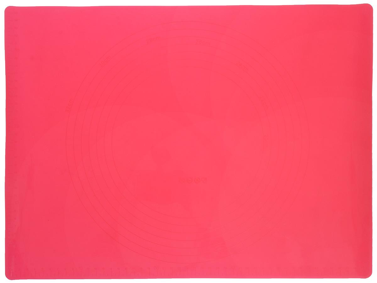 Коврик для теста Marmiton, силиконовый, цвет: красный, 48 х 36 см17010_красныйСиликоновый коврик Marmiton подходит для раскатки теста и обработки других продуктов. Он идеально прилегает к поверхности стола. Также коврик можно использовать в духовках и микроволновых печах при температуре от -40°С до +240°С. Материал легко моется, устойчив к фруктовым кислотам. Коврик оснащен мерной шкалой по краю и круглым шаблоном для теста по центру. Раскатывая тесто на таком коврике, вы всегда сможете придать ему нужный размер.