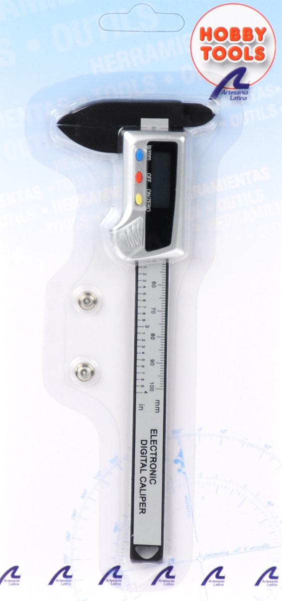 Цифровой штангенциркуль Hobby Tools, с фрагментарным дисплеем, 0-100 ммCALIPERДля качественной сборки моделей необходима безупречная подгонка деталей, а значит - высокая точность измерений и вычислений. Для этих целей рекомендуется купить цифровой штангенциркуль. Это электронное устройство имеет фрагментарный дисплей, работает от батарейки и позволяет измерять величины в диапазоне 0-100 мм (в миллиметрах или дюймах). Штангенциркуль относится к новому поколению измерительных приборов и обеспечивает более высокую точность показаний, чем у аналогов механического типа. Прибор найдет широкое применение в профессиональной деятельности и в быту, в том числе при занятиях моделизмом. Фрагментарный дисплей этого прибора позволяет четко и правильно считывать данные. Он избавляет мастера от необходимости отсчитывать и высматривать нужное деление и без промедлений показывает цифровой результат. Цифровой штангенциркуль прост в использовании - чтобы успешно обращаться с ним, не нужно дополнительно обучаться и получать особые навыки. Этот инструмент в применении...