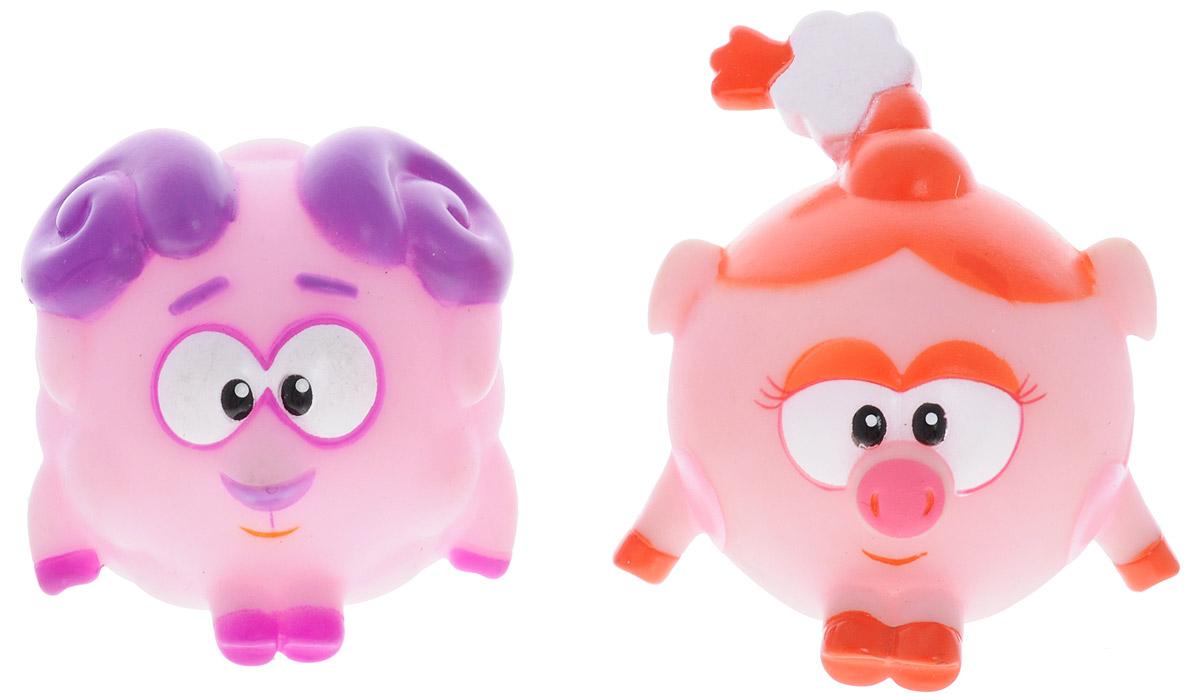 Смешарики Набор игрушек для ванной Бараш и НюшаGT7892_Бараш и НюшаНабор игрушек для ванной Смешарики превратит купание вашего малыша в интересную и веселую игру. В набор входят две яркие фигурки Смешариков: Бараш и Нюша. С таким набором вы вместе с вашим ребенком сможете придумать бессчетное количество веселых игр и историй. При сжатии игрушки забавно пищат, могут набирать в себя воду. Игрушки способствуют развитию внимательности, мелкой моторики рук, воображения, зрительного восприятия.