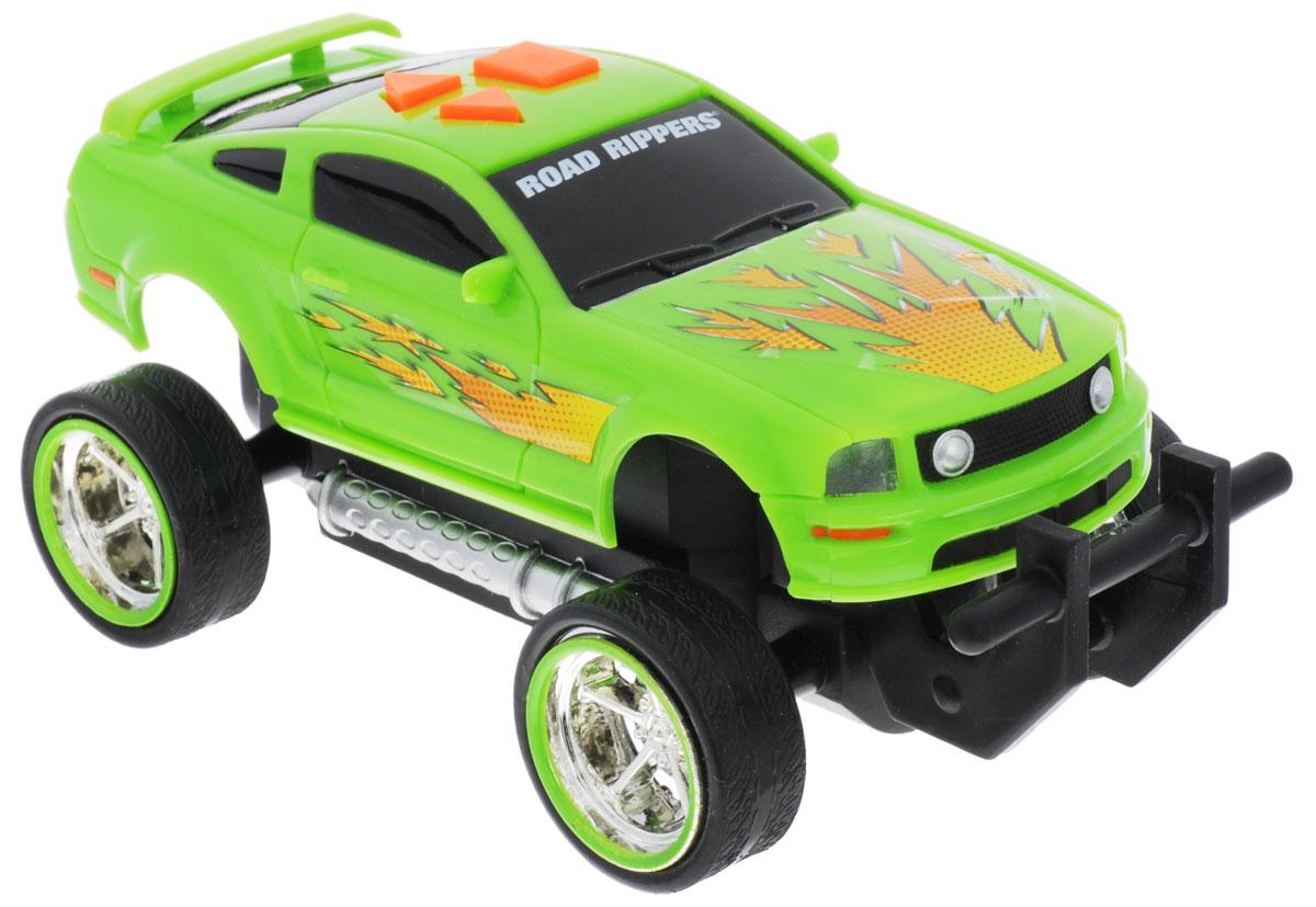 Toystate Машина Road Rippers Mustang GT33121TS_салатовыйЯркая машинка Road Rippers со звуковыми эффектами, несомненно, понравится вашему ребенку и не позволит ему скучать. Игрушка выполнена в виде яркой гоночной машины. При нажатии на кнопки, расположенные на крыше, светятся фары, воспроизводятся звуки двигателя и включенной передачи заднего хода. Машинка обладает инерционным механизмом. Стоит откатить игрушку назад, слегка надавив на крышу, затем отпустить - и машинка стремительно поедет вперед. Ваш ребенок часами будет играть с машинкой, придумывая различные истории и устраивая соревнования. Порадуйте его таким замечательным подарком! Рекомендуется докупить 3 батарейки напряжением 1,5V типа AАА (товар комплектуется демонстрационными).