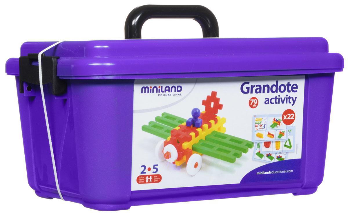 Miniland Конструктор Grandote Activity32510Конструктор Miniland Grandote Activity обязательно привлечет внимание вашего ребенка. Отличается конструктор своей универсальностью и простотой сборки. Набор включает в себя 79 разноцветных элементов, выполненных из экологически чистых материалов в виде всевозможных геометрических форм, из которых малышу будет очень интересно и комфортно конструировать свои первые постройки. Также в наборе имеются 22 карточки с заданиями, которые делятся на 2 типа упражнений с различным уровнем сложности. Конструктор помогает развитию пространственного мышления, навыков классификации и сортировки предметов по цветам и форме. Способствует формированию творческих способностей ребенка, обеспечивая его увлеченность и сосредоточение внимания. Поставляется конструктор в пластиковом чемоданчике, позволяя брать его с собой в гости или за город.